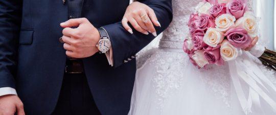 Oblek na svatbu jako host