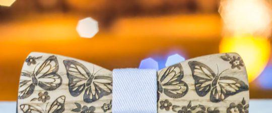 Trend dřevěných motýlků