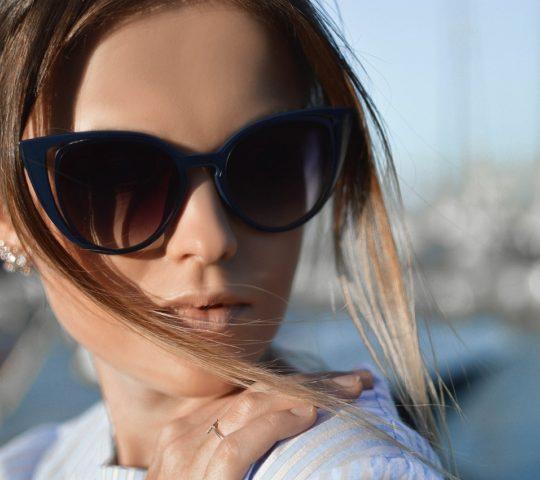 Jaké jsou aktuální trendy u slunečních brýlí?
