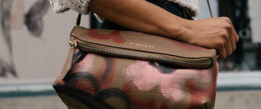 Jaké kabelky se aktuálně nosí?