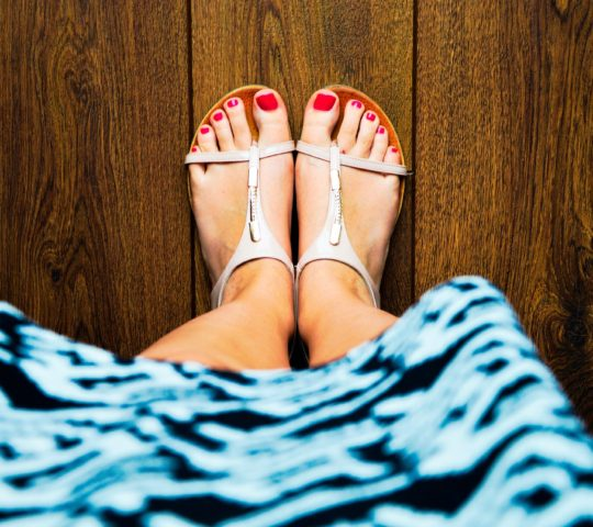 Upravené nehty na nohou.