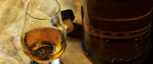 Obliba whisky roste.
