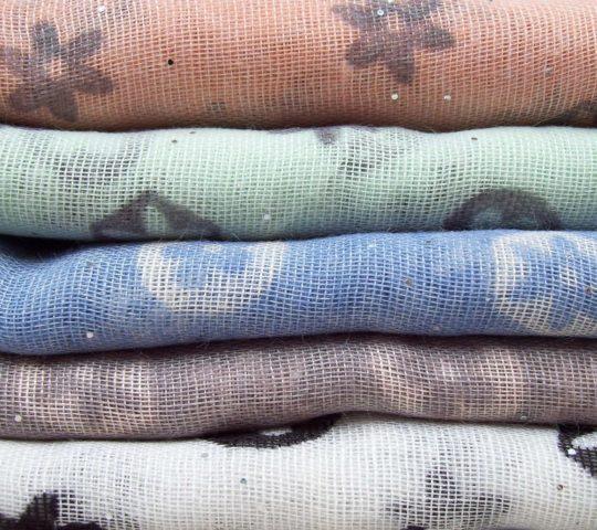 Jak na oblečení z polyesteru?