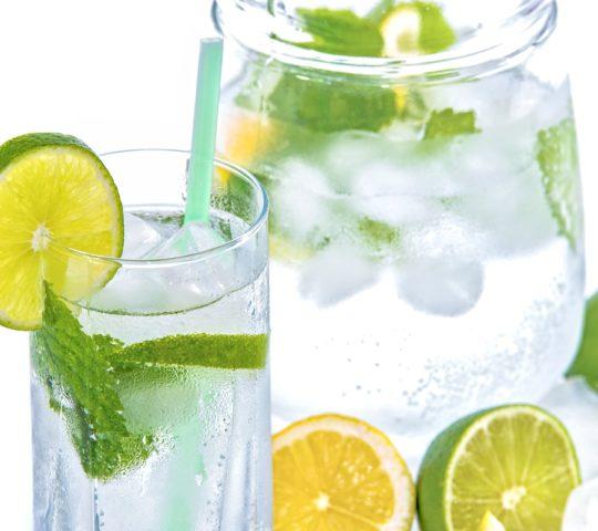 Dostatek pitné vody.