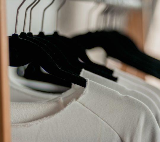 Žmolky na oblečení.